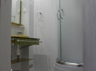 იყიდება 10 ნომრიანი სატუმრო ქალაქ ბათუმის ცენტრში. საქართველო. ფოტო 19