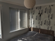 Квартира с ремонтом в новостройке Батуми. Купить квартиру с коммерческой плошадью в новостройке Батуми, Грузия. Фото 4