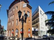 5-этажный дом у моря на ул.З.Гамсахурдия, угол ул.Р.Комахидзе. Купить недвижимость в новостройке по ценам застройщика в центре Батуми. Фото 2