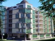 Апартаменты у моря в жилом комплексе Кобулети. Жилой комплекс гостиничного типа в центре Кобулети, Грузия.  Фото 1