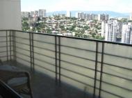 Арендовать квартиру в центре Тбилиси. Снять квартиру в новостройке Тбилиси. Вид на горы. Фото 17