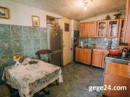 იყიდება კერძო სახლი ქალაქის ცენტრში. ბათუმი. საქართველო ფოტო 13