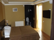 Running elite hotel with ten modern rooms in the centre of Batumi. For 24-hours, or longer periods of stay. Located in the region of artists. Photo 15
