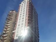 Новостройка у моря в старом Батуми. 20-этажный новый жилой дом на ул.Чавчавадзе в центре Батуми, Грузия. Фото 1