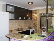 Квартира с ремонтом в аренду в Батуми Фото 4