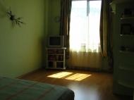 Арендовать квартиру в центре Тбилиси. Снять квартиру в новостройке Тбилиси. Вид на горы. Фото 4
