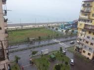 Аренда квартиры у моря в Батуми, Грузия. Снять апартаменты с видом на море и город. Фото 1