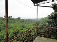იყიდება კერძო სახლი მთების ხედით. ქობულეთი. საქართველო. ფოტო 2