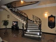 Действующая гостиница на 10 номеров в Батуми Фото 3