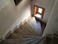 სახლი მიწის ნაკვეთით თბილისში. ფოტო 4