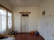 იყიდება სახლი მიწის ნაკვეთთან ერთად. ბათუმი. საქართველო ფოტო 12
