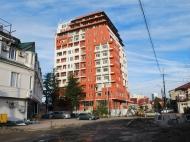 Новый жилой дом в центре Батуми. Квартиры в новостройке на ул.Л.Асатиани в центре Батуми, Грузия. Фото 1