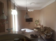 Renovated flat for sale at the seaside Batumi, Georgia. The apartment has modern renovation and furniture. Photo 8