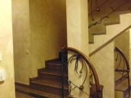 Элитный дом с дорогим ремонтом в Старом Батуми Фото 16