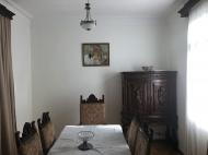 იყიდება კერძო სახლი ცენტრალურ ბულვართან ბათუმში. საქართველო. ფოტო 5
