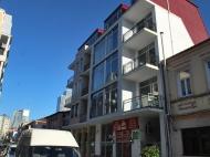 Жилой дом в старом Батуми на ул.Мазниашвили, угол ул.Ц.Парнаваза. Квартиры в новостройке в центре Батуми, Грузия. Фото 2