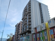 Элитная 15-этажная новостройка у моря на ул.Церетели, угол ул.Имедашвили в Батуми. Апартаменты в жилом комплексе у моря в центре Батуми, Грузия. Фото 2