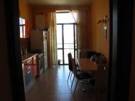 Арендовать квартиру в центре Тбилиси. Снять квартиру в новостройке Тбилиси. Вид на горы. Фото 15