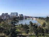 Апартаменты в элитном жилом комплексе у моря в центре Батуми. 10-этажный элитный жилой комплекс на ул.Клдиашвили, угол ул.Меликишвили в Батуми, Грузия. Фото 5