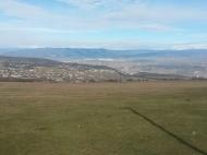 Участок в Тбилиси с видом на горы и город. Купить земельный участок в пригороде Тбилиси, Шиндиси. Фото 5