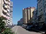Новый жилой дом у моря в центре Батуми на ул.Чагмеикли, угол Ш. Химшиашвили. Новостройка у моря в центре Батуми, Грузия. Фото 2