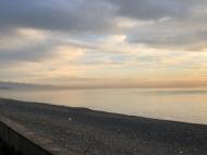 Новостройка на берегу моря в центре Кобулети. Квартиры в новом жилом доме на берегу моря в центре Кобулети, Грузия. Фото 13