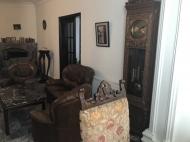 იყიდება კერძო სახლი ცენტრალურ ბულვართან ბათუმში. საქართველო. ფოტო 6
