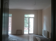 Commercial real estate for rent in Batumi, modern renovation Photo 1