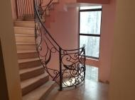 Квартира в аренду в центре старого Батуми. Снять квартиру с ремонтом и мебелью у Кафедрального собора Батуми. Фото 3