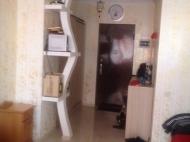 Квартира с красивым и стильным дизайном в центре Батуми Фото 3