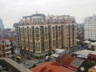 10-этажный дом с мансардой на ул.Меликишвили, угол ул.Царя Парнаваза, в центре Батуми, Грузия. Купить недвижимость в новостройке в рассрочку по цене от строителей. Фото 1