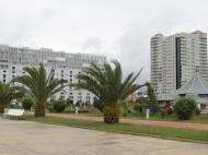 Жилой комплекс у моря в центре Батуми на ул.Горгиладзе, угол ул.Джавахишвили. Квартиры, апартаменты в новом жилом комплексе у моря в центре Батуми, Грузия. Фото 2