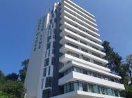 ЖК гостиничного типа у моря на Зеленом мысе, Батуми. 14-этажный жилой комплекс гостиничного типа у моря. Зеленый мыс, Аджария, Грузия. Фото 1