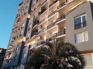 Новостройки у моря в Махинджаури. 13-этажный дом гостиничного типа в Махинджаури на ул.Молодежи. Купить квартиру у моря в новостройке Махинджаури, Грузия. Фото 1