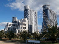 """The residential complex of hotel-type """"SEA TOWERS"""" by the sea, center of Batumi on Sherif Khimshiashvili St. Apartments by the sea in a residential complex hotel-type """"SEA TOWERS"""" in the center of Batumi, Georgia. Photo 2"""