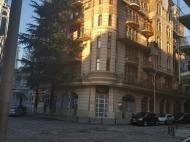 Новый жилой дом в старом Батуми. Квартиры в новом красивом доме у отеля Шератон в центре Батуми, Грузия. Фото 2