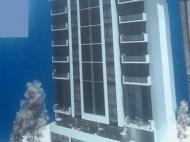 Новостройка у моря в Батуми. Квартиры в новом жилом доме у моря в центре Батуми, Грузия. Фото 2