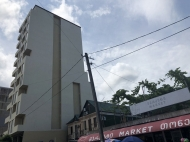 Новостройка в тихом районе Батуми. 7-этажный новый жилой дом на ул.Меликишвили в Батуми, Грузия. Фото 4