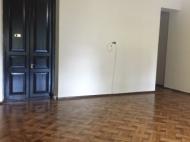Аренда офиса в центре Батуми. Снять офис с современным ремонтом в центре Батуми, Грузия. Фото 5