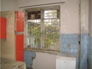 Купить квартиру в Поти возле вокзала и рынка. Удачный вариант для коммерческой цели Фото 1