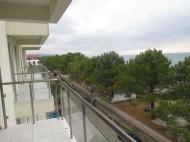 Квартиры в новом жилом доме у моря в центре Кобулети. 10-этажная новостройка у моря в центре Кобулети, Грузия. Фото 7