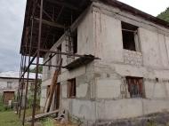 Продается частный дом с земельным участком в Они, Грузия. Фото 2