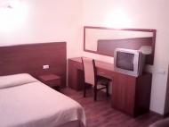Продается гостиница у моря в центре Батуми, Грузия. Гостиница на 30 номеров, ресторан, диско-бар, салон красоты, сауна. Фото 4