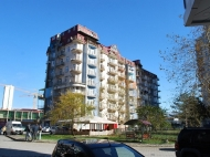 Дом у моря на Новом бульваре в центре Батуми. Квартиры в новом доме у моря на ул.Ш.Химшиашвили в Батуми, Грузия. Фото 2