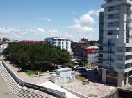 Новостройка на берегу моря в центре Кобулети. Квартиры в новом жилом доме на берегу моря в центре Кобулети, Грузия. Фото 6