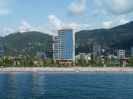 """""""Navi"""" - жилой комплекс гостиничного типа у моря в центре Гонио. Апартаменты в ЖК гостиничного типа в центре Гонио, Грузия. Фото 1"""