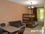 Купить квартиру в новостройке с ремонтом и мебелью в центре Бакуриани. Квартира с видом на горы в Бакуриани,Грузия. Фото 4