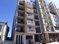 Новый жилой дом у парка 6 Мая в центре Батуми. Квартиры в новостройке у моря на ул.Такаишвили в старом Батуми, Грузия. Фото 3