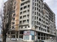 Новый жилой дом в Батуми. Квартиры в новом жилом доме на ул.Леонидзе в Батуми, Грузия. Фото 1