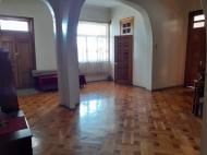 в Кобулети в центре города продаётся частный дом выгодно для гостиницы Аджария Грузия Фото 4